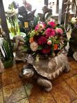 Schildkröte mit Blumenstrauß Bettina Krautmann Flowers and more in Burgau